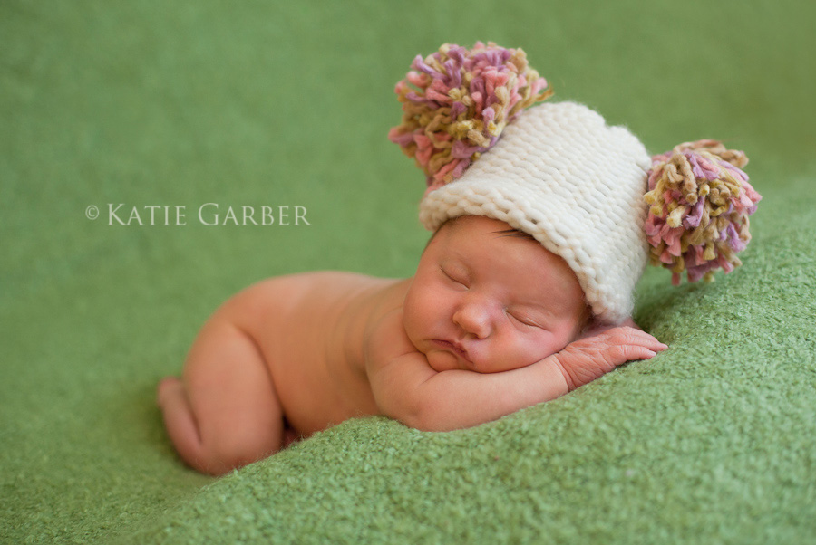 baby girl pom-pom hat