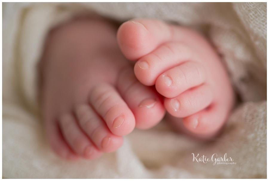 newborn toes macro closeup
