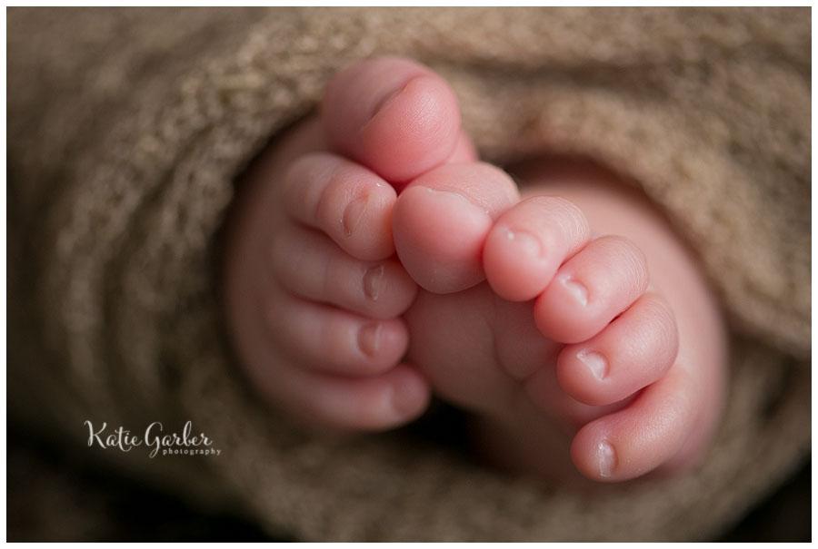 newborn toes macro detail