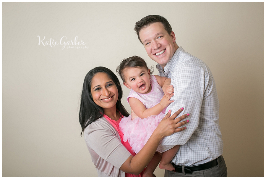 family-photo-baby-girl-studio