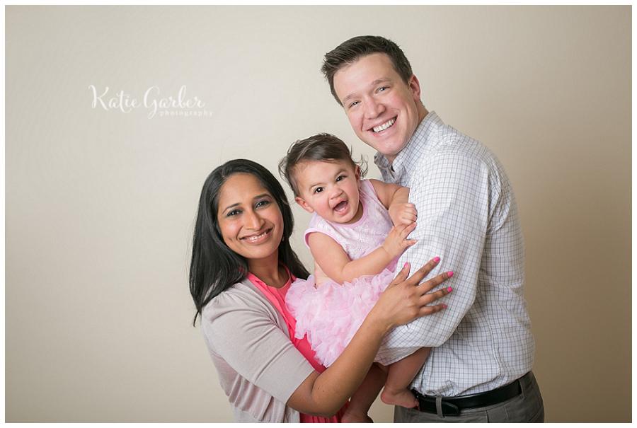 family-photo-baby-girl-studio