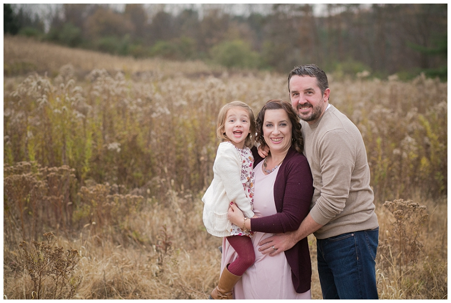 outdoor-family-session-field